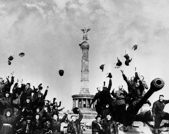 9 мая: Военные песни из отечественных кинофильмов