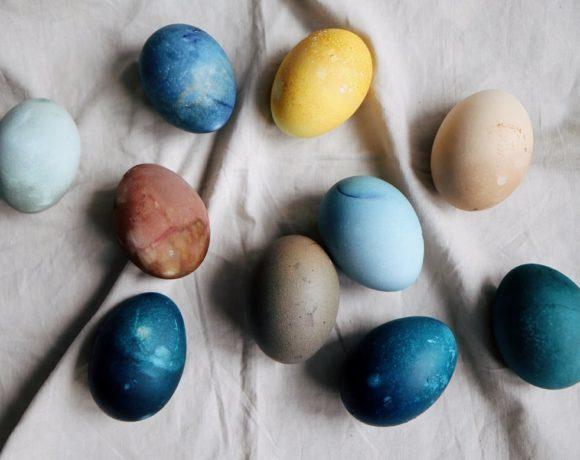 Необычные натуральные красители для пасхальных яиц