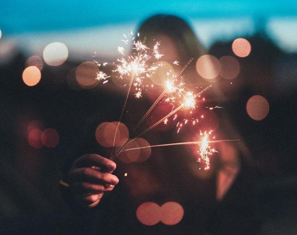 Праздничное настроение: 4 идеи новогодних образов