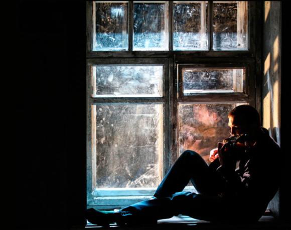 Пустяки и дело житейское: «Оборванец» по пьесе Михаила Угарова в театре «Мастерская»