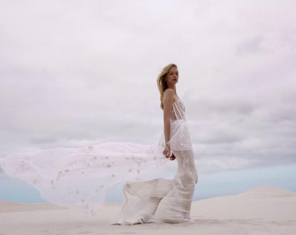 Пляжная церемония. Образ невесты