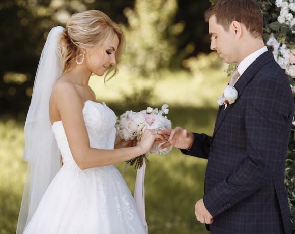 Выездная регистрация или ЗАГС. Что выбрать в день свадьбы?