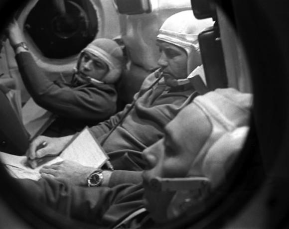 Космос ценою в жизнь. Подвиги первых космонавтов