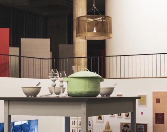 Прошу под стол. Выставка Александры Галкиной в Новой Третьяковке