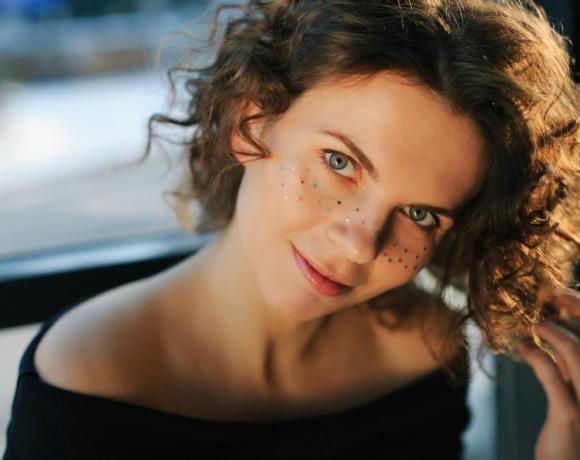 7 блестящих идей макияжа для встречи Нового года