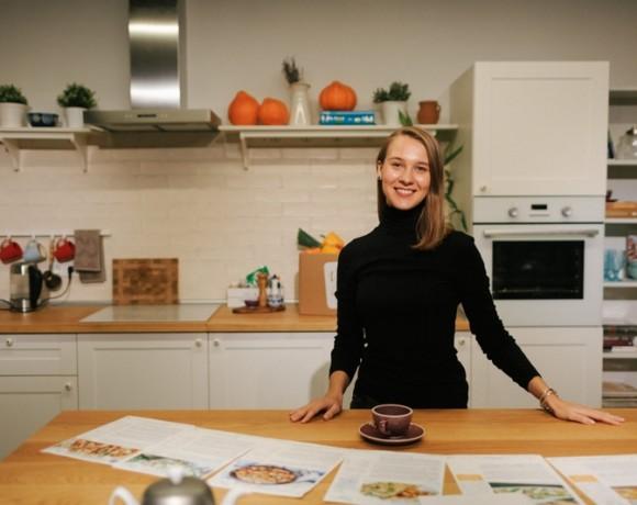 Как устроен сервис «Ужин дома»: интервью с бренд-шефом Еленой Чазовой