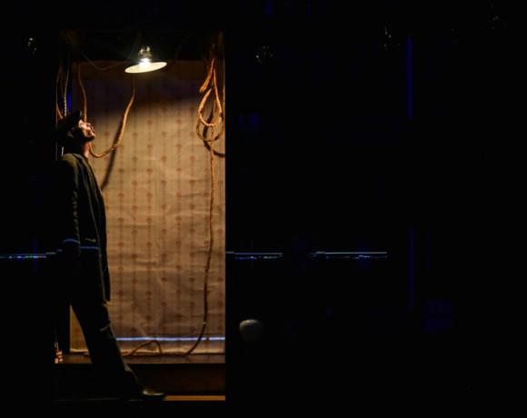 Я летаю по Москве: спектакль Невидимого театра по дневникам Геннадия Шпаликова