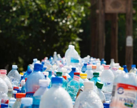 150 тонн пластиковых крышечек в помощь детям