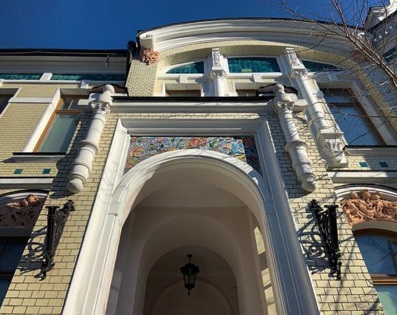 Обаяние майолики: особняк купца Медынцева