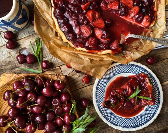 Пирог из сезонных ягод
