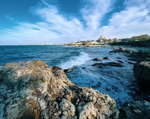Полуостров Крым: три мыса и два древних города