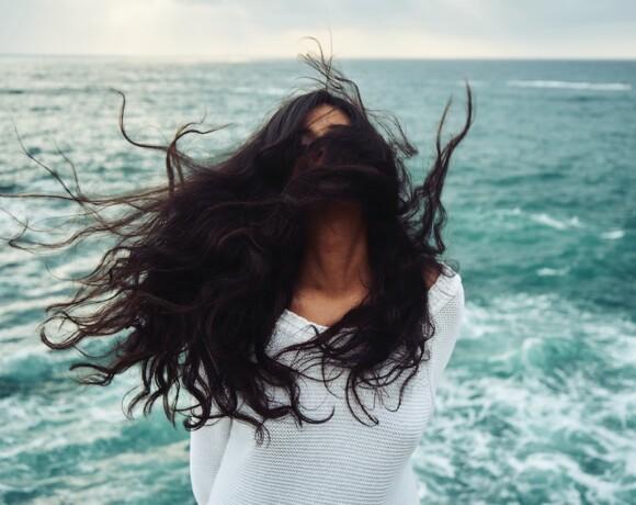 Кому и зачем нужен несмываемый уход для волос?