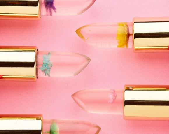 Больше, чем помада: идеи классных подарков для макияжа