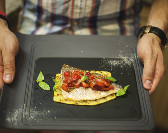 Кулинарные шедевры от шефа: дорадо с клубничной сальсой