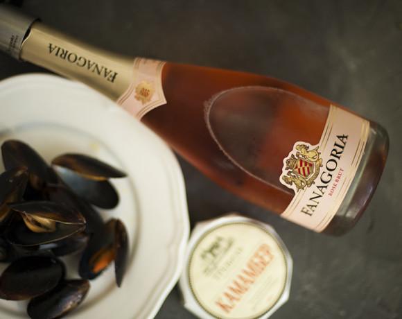 Винный вторник: розовый брют от Фанагории