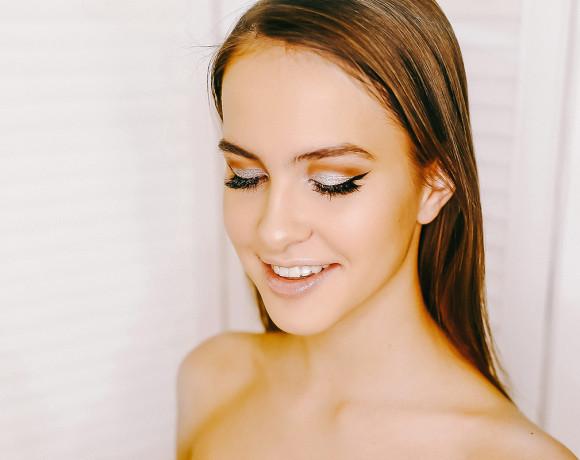 Новогодний сверкающий макияж: пошаговая инструкция