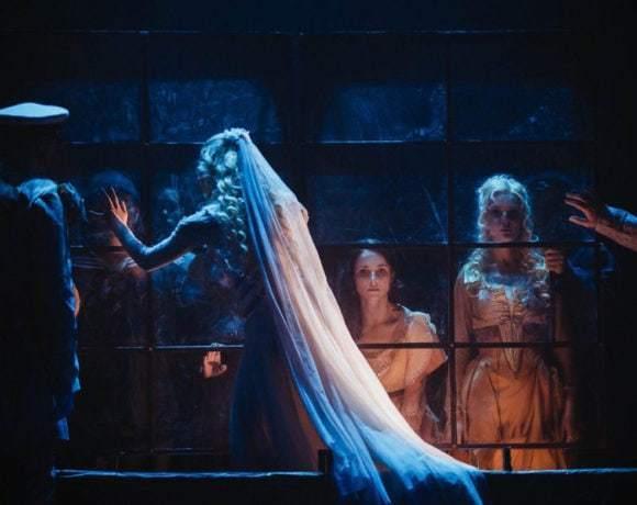Театральный обзор: «Приключения Фандорина», Московский Губернский театр