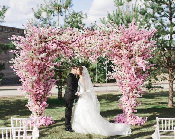 Цветение сакуры: весенняя свадьба в нежно-розовых тонах